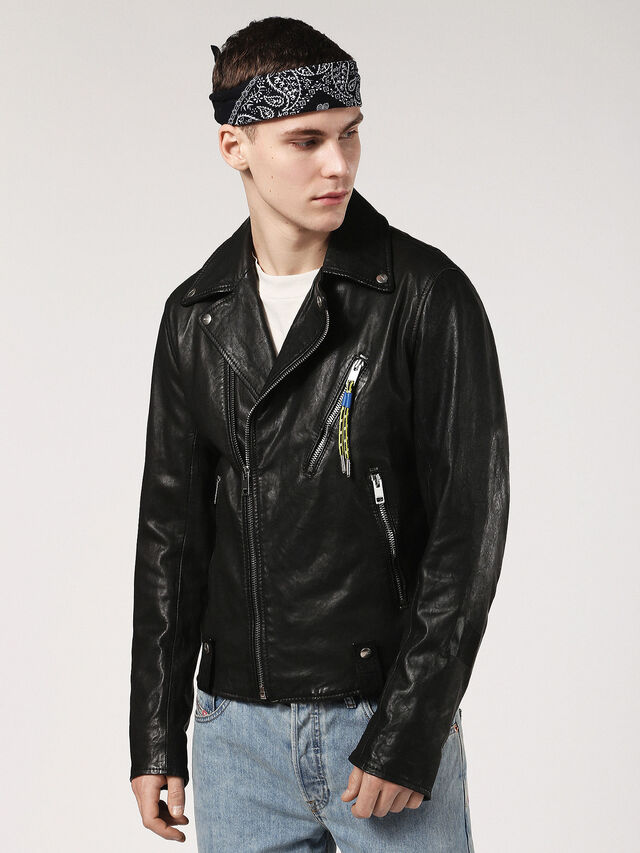L-WILLCOX, Black Leather