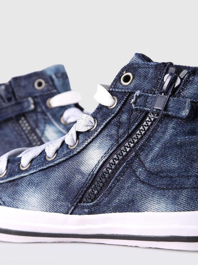 Diesel - SN MID 20 EXPOSURE Y, Blue Jeans - Footwear - Image 4