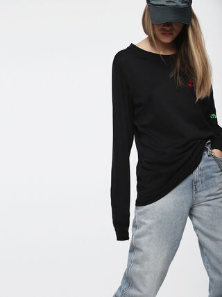 T-HILARY,  - T-Shirts