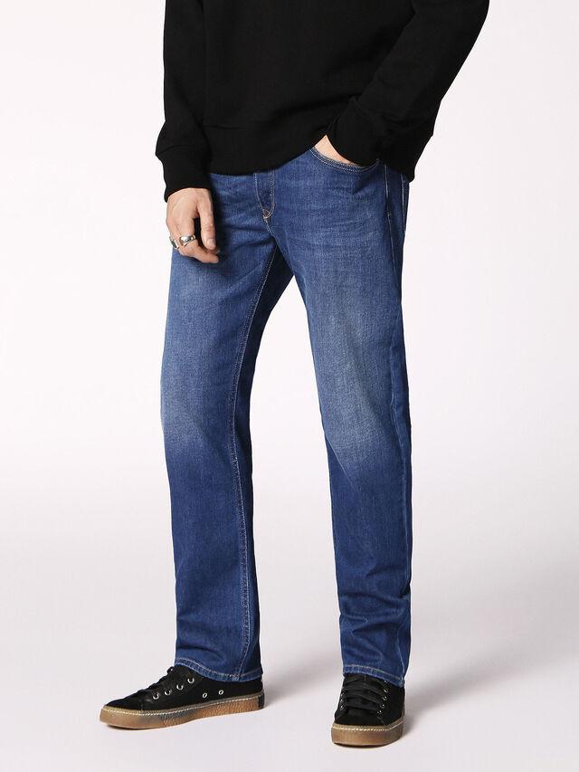 WAYKEE 084RM, Blue Jeans